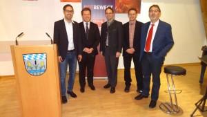 Von links nach rechts: SPD-Kreisvorsitzender Michael Schrodi, Bundestagsabgeordneter Florian Post, erster Bürgermeister Andres Magg, Martin Eberl Abgeordneter der Bezirkstags und Landtagsabgeordneter Herbert Kränzlein beim Jahreseinstandsfest der SPD Olching.