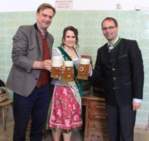 Hr Schweinberger, Vize Hopfenkönigin, Hr Magg_klein