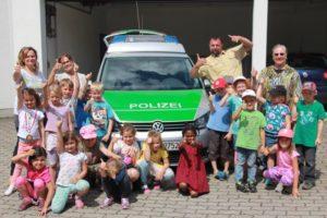 Kindergarten Liedermaus besucht Polizeiinspektion Olching