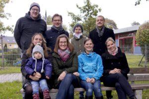 Von links oben: Stefan Eibl (1. Vorsitzender), Haiko Schiechel (Stellvertr. Kassenwart), Alessandra Königsberger, Victor Bredo Von links unten: Sabrina Eisenstecken (mit Tochter; Kassenwärtin), Dagmar Gerbl (2. Vorsitzende), Anke Bader (PR), Verena von Schlachta (Schriftführerin)
